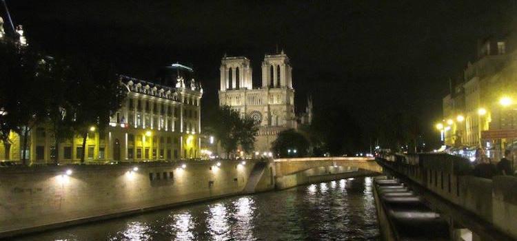 Ile de la Cite Notre Dame at night