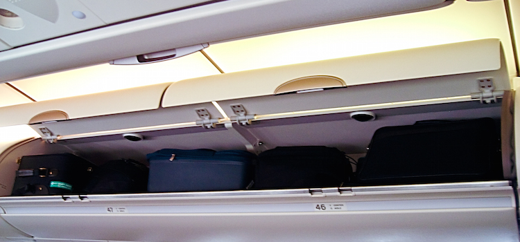 Hand Luggage Only – Benefits to a Simple Flight!
