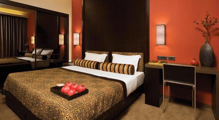 Dan Hotel bedroom