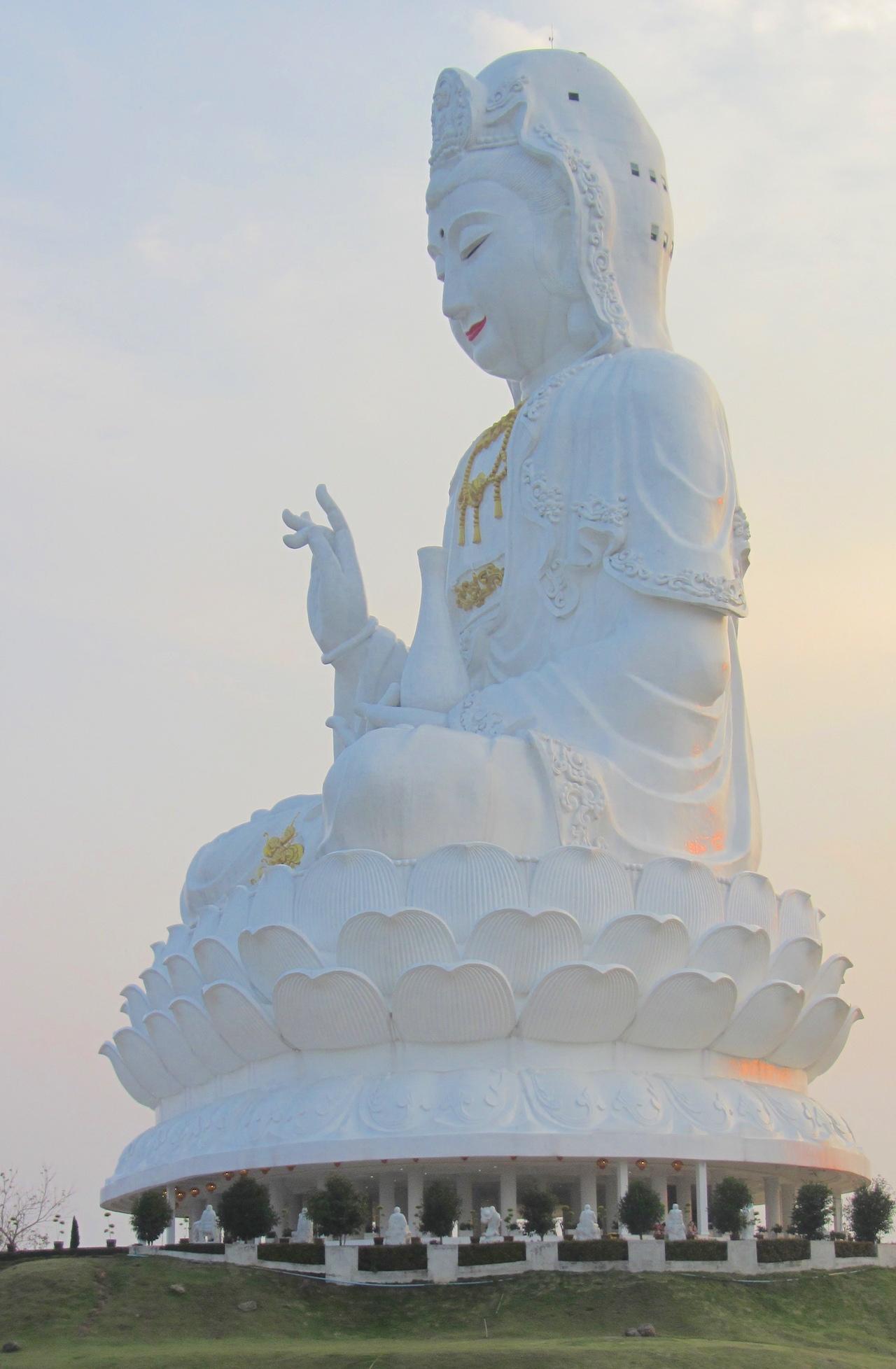 things to do in Chiang Rai Big Buddha