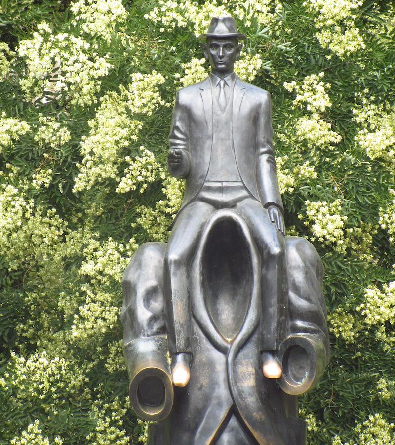 Prague Walking Tour Kafka Statue
