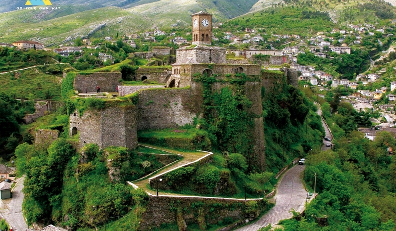 albania travel castle gjirokaster