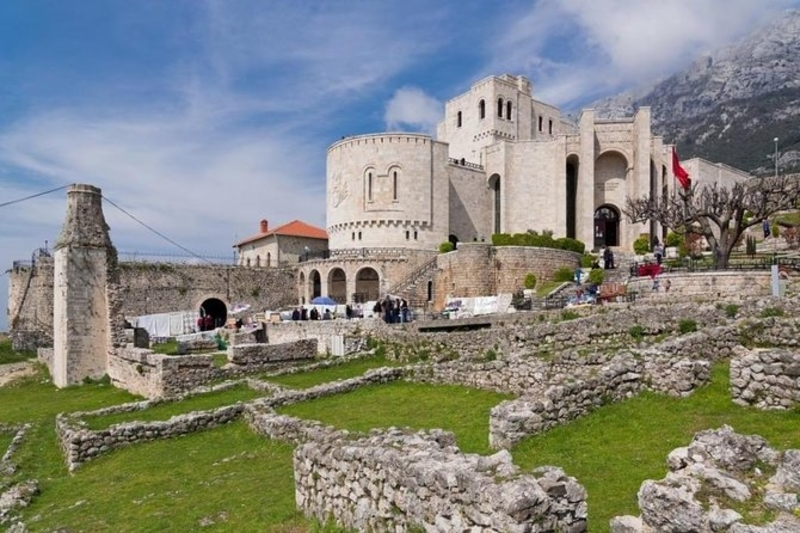 albania travel castle history kruje